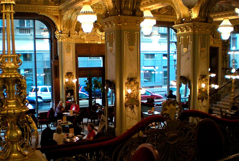 Vista desde las escaleras el Cafe